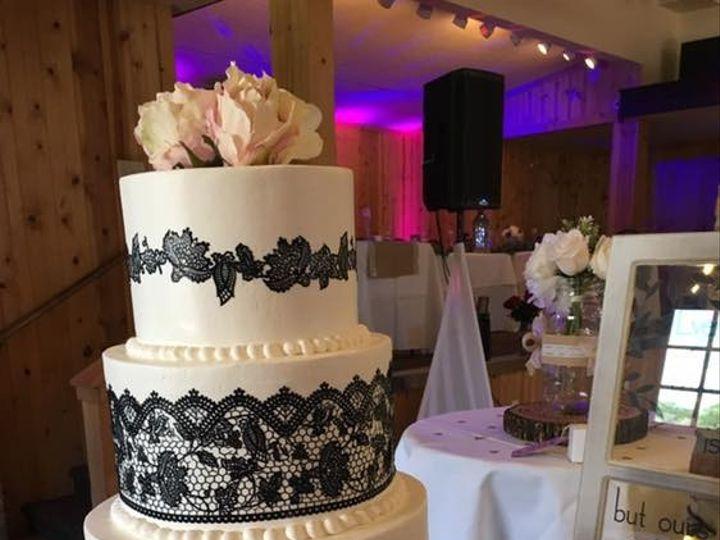 Tmx 66683917 2119965354778634 9106937629533798400 N 51 83734 1565317256 Menomonee Falls, WI wedding cake