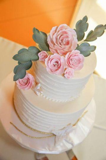 Horizontal Texture buttercream + sugar flowers & leaves, Coronado wedding