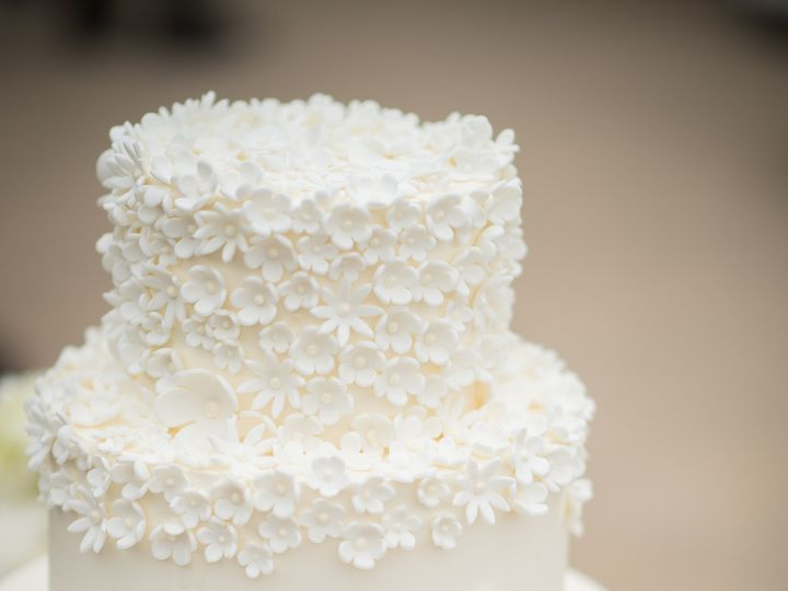 Tmx 1452224978420 Tiny White Flowers Cake Aaron Regnier Photo Lauber San Diego, California wedding cake