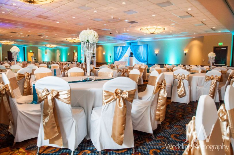 Radisson quad city plaza venue davenport ia weddingwire 800x800 1444926440910 gold blue ballroom junglespirit Image collections