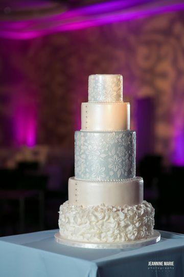 Miss Saras Cakery Wedding Cake Hastings Mn Weddingwire
