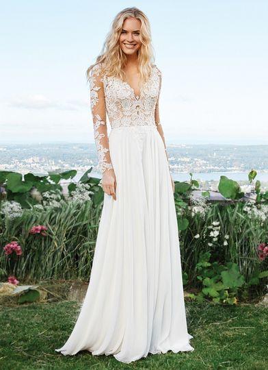 Maggi Bridal Dress Attire Asheville Nc Weddingwire