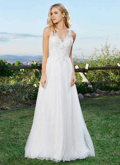 Maggi bridal asheville dress attire asheville nc for Wedding dresses asheville nc