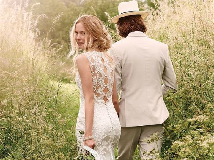 Tmx 1524245701 5a8cd3fbf2af9d6f 1524245701 4ea699dd88072874 1524245696874 2 7f798f6c0057674d42 Asheville, North Carolina wedding dress