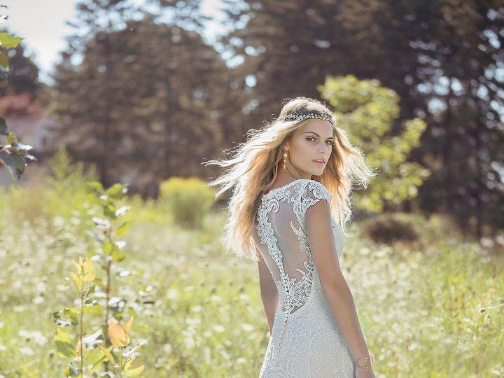 Tmx 1524245702 87002597c24bc936 1524245701 Cecc8a1111a20908 1524245696876 5 70ee5989379c5b4c60 Asheville, North Carolina wedding dress