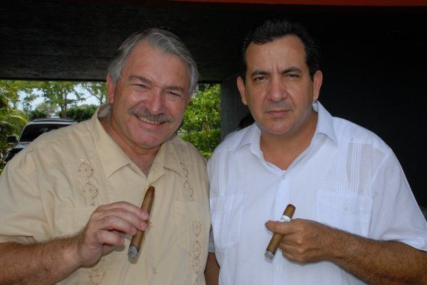 "Frank Paul : Professional Cigar Presenter ...""Maestro"" Tony...Professional Master Cigar Roller"