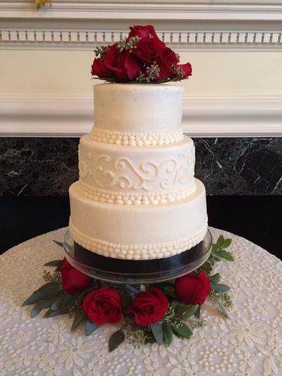Simple and elegant buttercream cake. Chocolate & red velvet.