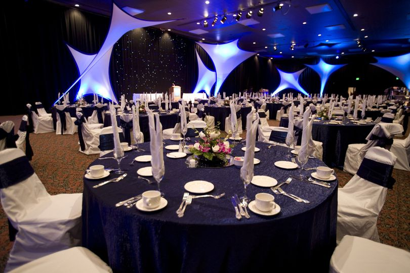 navy blue and white wedding receptionweddings at g