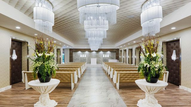 grand wedding chapel at grandsierraresortwedding