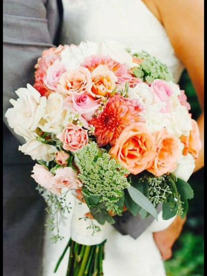 dahlias and roses bouquet
