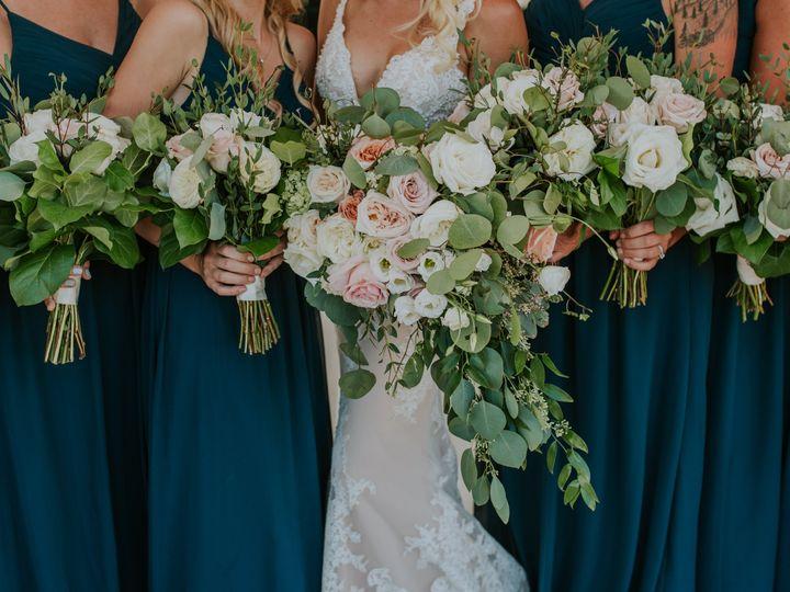 Tmx Blakelacey0670 51 617834 161032714990227 Lansing, MI wedding florist