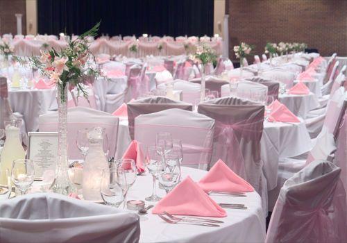 584e2bb8f1766572 1529961901 816436c05ddb1707 1529961900745 12 Pink Tables