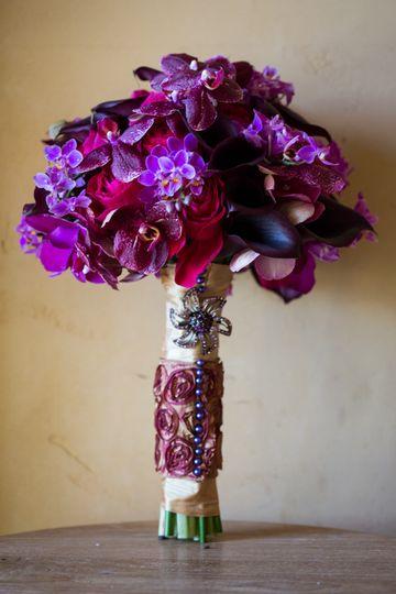 bridebouquetorchidspurplecallashotpinkrosesnapawed