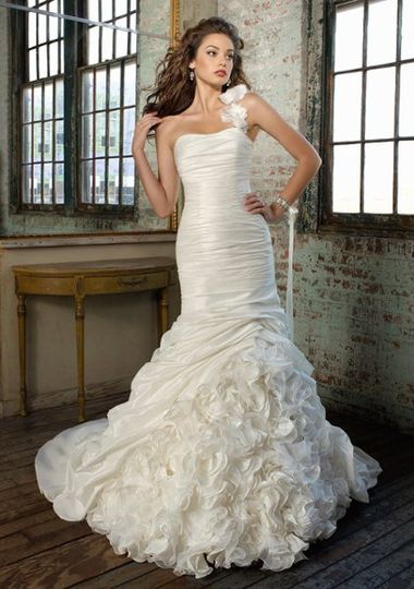 Glamourous Gowns - Dress & Attire - Rochester, NY - WeddingWire