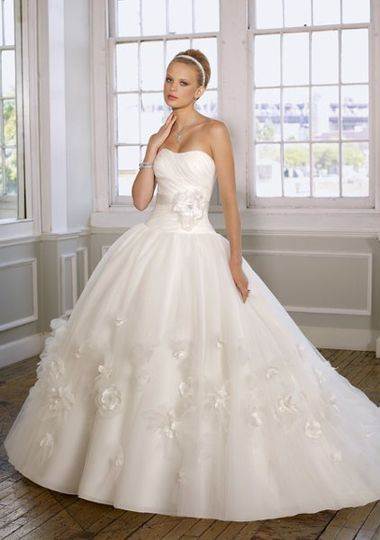 Mori Lee bridal gown stykle 1615 for the 2011 season