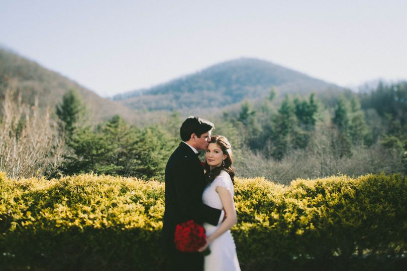 artistic atlanta wedding photographer courtney war