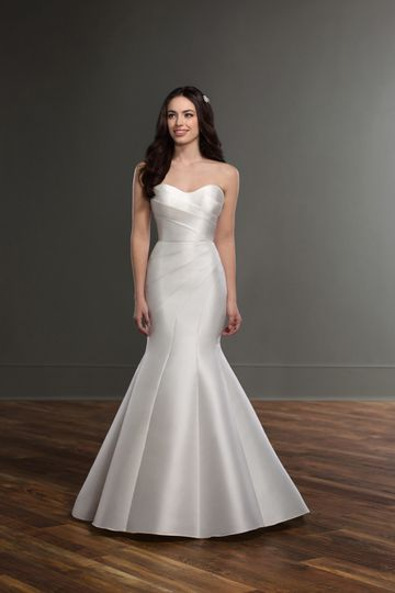 4a58646309b Martina Liana Style 841 A classic gown with modern detailing