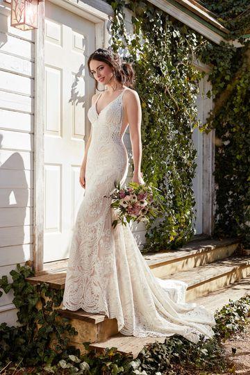 Martina LianaStyle 889Perfect for the fashion-forward, boho-inspired bride, this wedding...