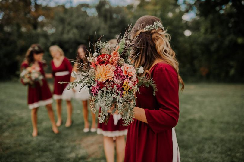 3e4c43f8cfaffbba 1482298671696 bridemaid bouquet 1