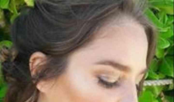 Majo Jones Makeup