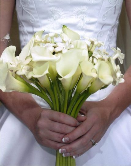 White mini callas and stephanotis