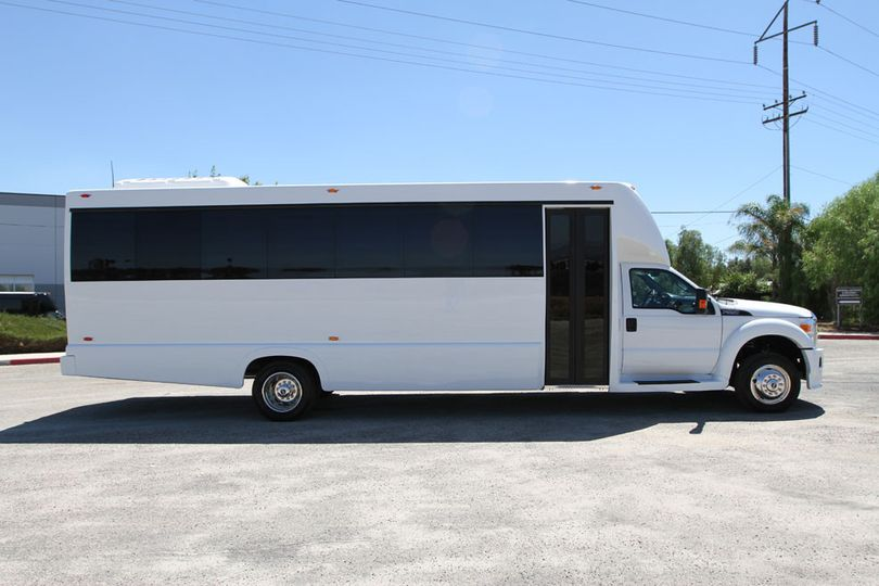 2015 Tiffany 24 passenger Party Bus.  This is ideal transportation for wedding parties and/or...