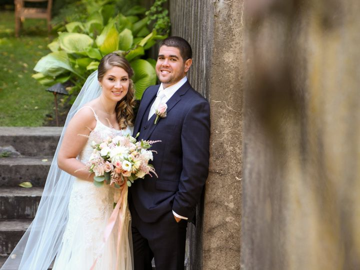 Tmx C 0164 51 664044 Guilford, CT wedding florist