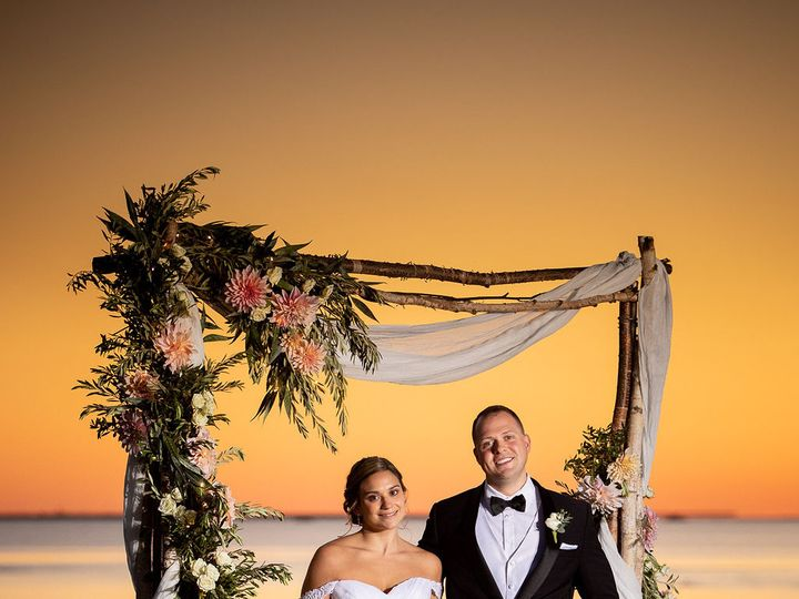Tmx Carolyneric 20 Annandalephotography 491 51 664044 161126359529759 Guilford, CT wedding florist