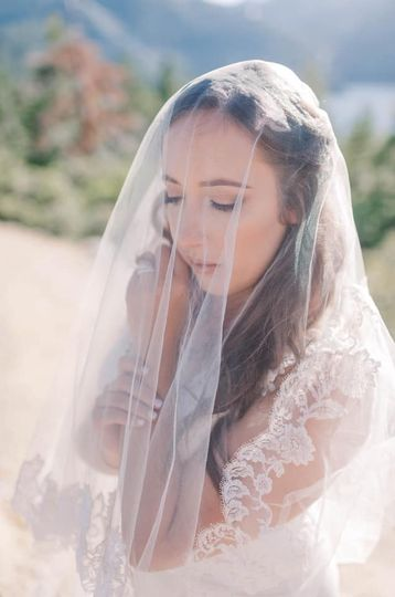 Bride Amanda Weeks