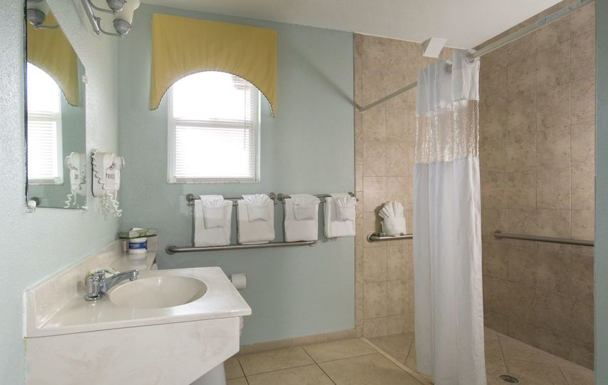 2 Bedroom Cottage Bathroom