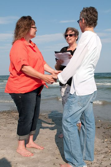 Wedding on Jenness Beach.  Picture by Amy Simoneau Photography. www,ajsimoneau.com