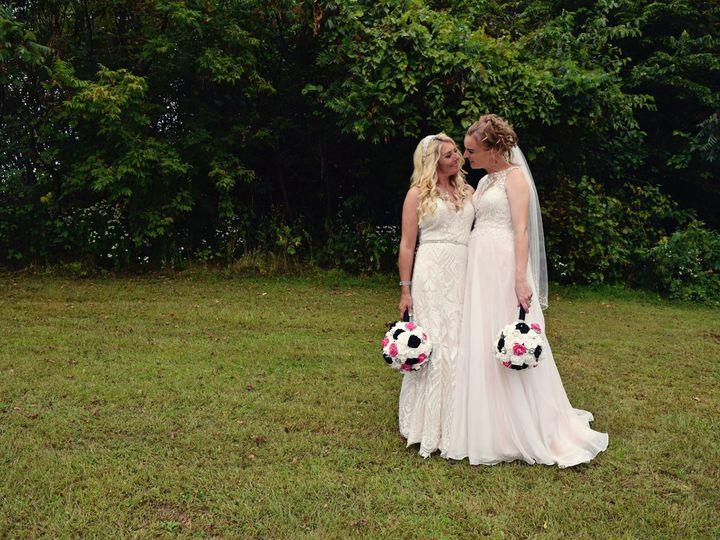 Tmx Posed Couple014 51 687144 157482438976781 Dubuque, Iowa wedding photography
