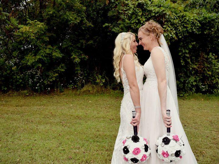 Tmx Posed Couple019 51 687144 157482439266203 Dubuque, Iowa wedding photography