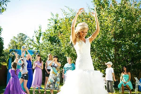 Throwing of bouquet