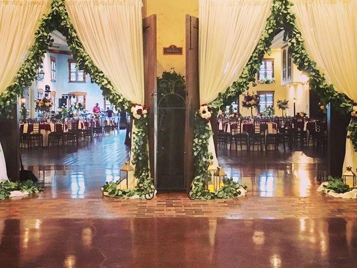 Tmx 1525884601 1ce9a935e870ee41 1525884600 Be01abc37cde105f 1525884600221 10 Door Decor For En Tyler, TX wedding venue