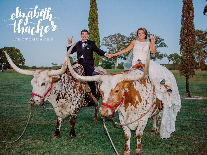 Tmx 1525886623 4d87cf999b91e8b6 1525886622 69cd5221cc3898b9 1525886621795 10 Bride And Groom W Tyler, TX wedding venue
