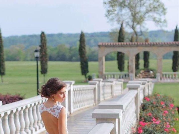 Tmx 1525886718 6a51d66abdef18ac 1525886717 8e7297af753c2df6 1525886716599 15 Bride And Walkway Tyler, TX wedding venue