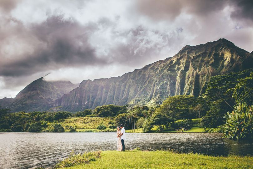 Hawaii Engagement Photography. Koolau Mountains - By Keoni Michael