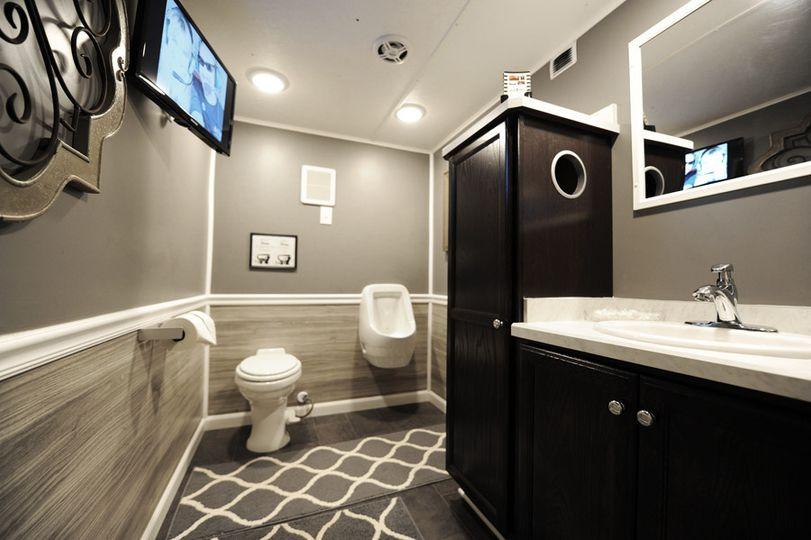 Jazzy johnz gulf coast restroom trailers event rentals for Bathroom rentals for weddings
