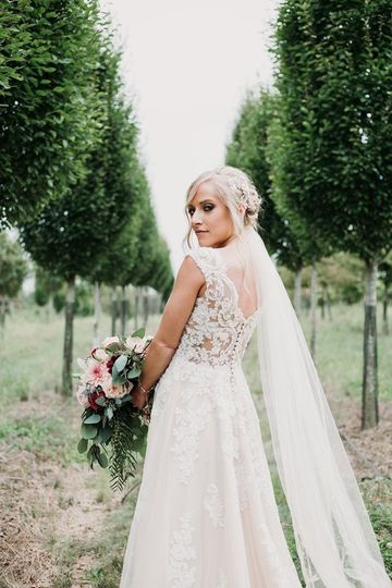 Bella Sposa Bridal, Prom & Tux