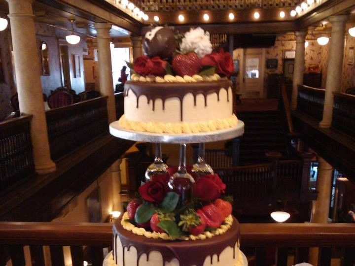 Tmx 1012924 559902017423493 82145746 N 51 964344 1556315146 Longmont, CO wedding cake