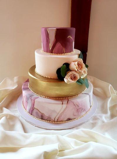 Marbled metallic cake