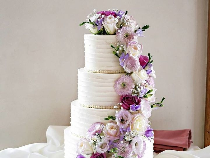 Tmx 1536803189 F094b0bda7026acd 1536803188 6d5eb11e8c0bb997 1536803187506 12 Flower Cascade Phoenixville, Pennsylvania wedding cake