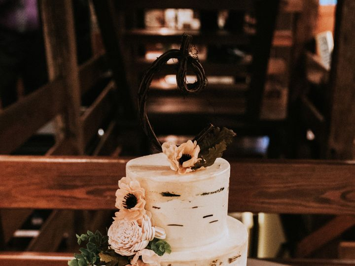 Tmx 49353735333 4895f60165 O 51 494344 158108345719733 Phoenixville, Pennsylvania wedding cake