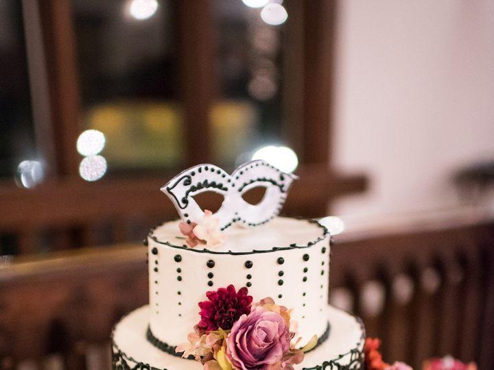 Tmx Lial 2942 51 494344 158108344835757 Phoenixville, Pennsylvania wedding cake