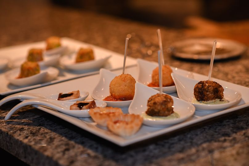 Luxury passed hors d'oeuvres. Renee Mellott Photography.
