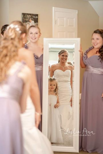 Enjoy the convenience of getting ready for your special day in our on-site bridal suite!