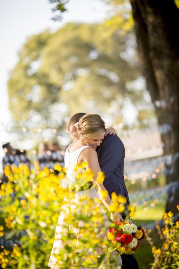 Couple embracing - Mike Burley Photography