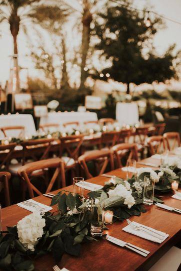 detail of farm table and garland centerpiece 51 1002444 157611938221600