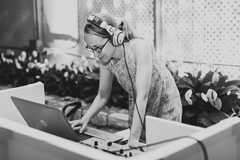 DJ Jane Elizaberth